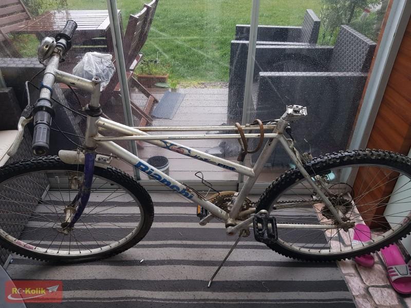 Eski bisikletimi yeniden hayata döndürüyorum