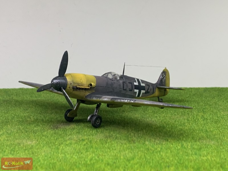 """Daimler Benz motorlu Spitfire MkVb : """"Messerspit"""" 1/72"""
